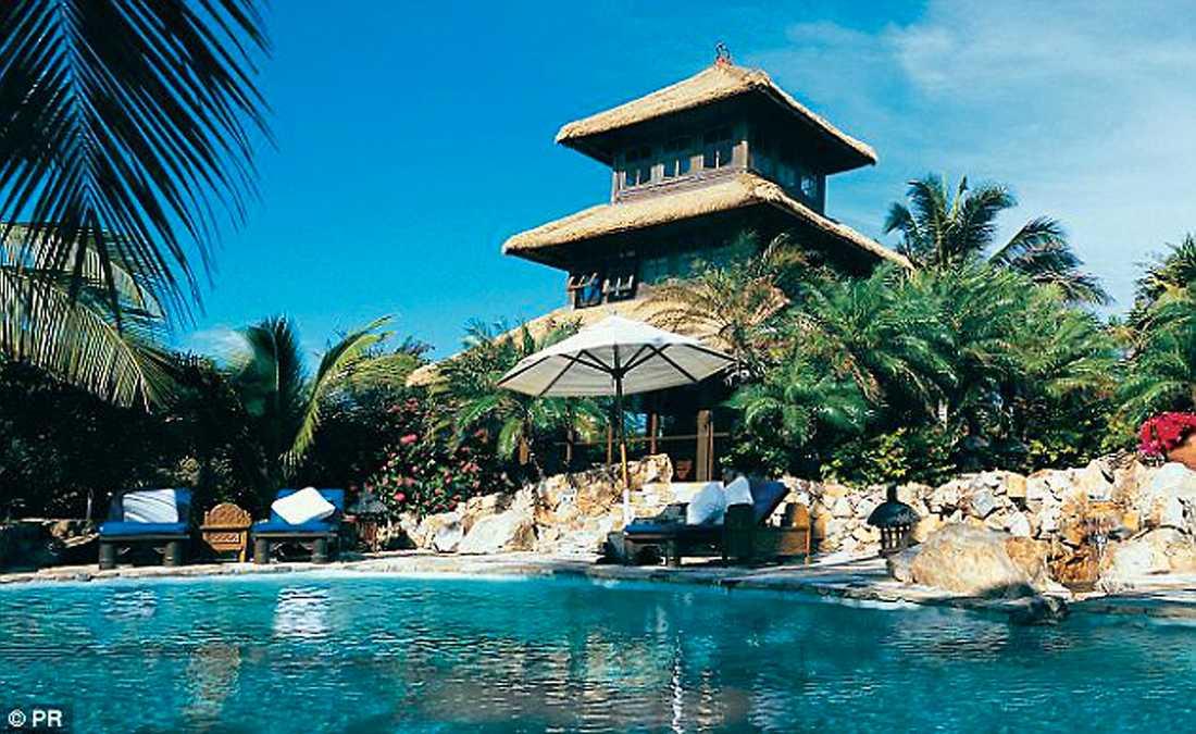 BRANSONS EGNA Ö Elden härjade på Richard Bransons privata ö Necker i Västindien som han köpte under tidigt 80-tal.