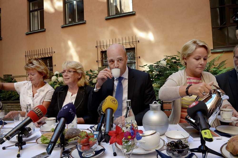 Statsminister Fredrik Reinfeldt under regeringens sommarfika.