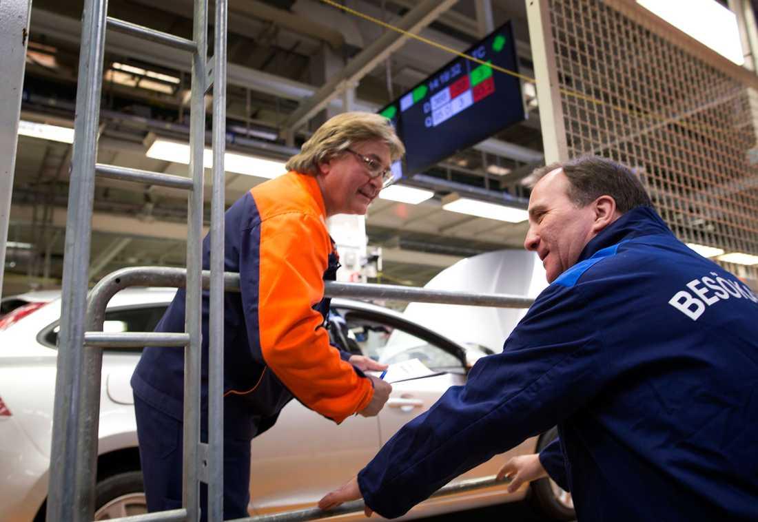 Christer Svensson och Stefan Löfven på Volvo personvagnar.