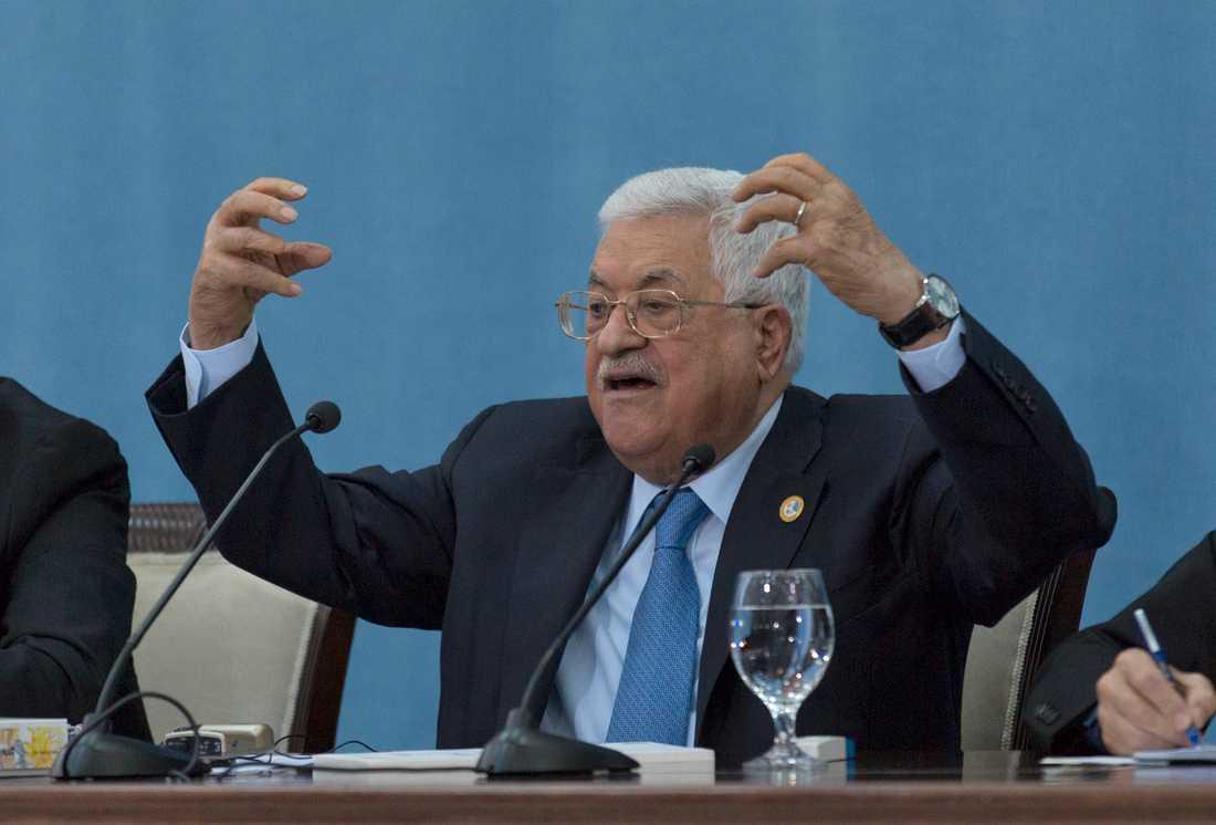 Palestiniernas ledare Mahmud Abbas är pessimistisk inför fredskonferensen som inleds på tisdag.