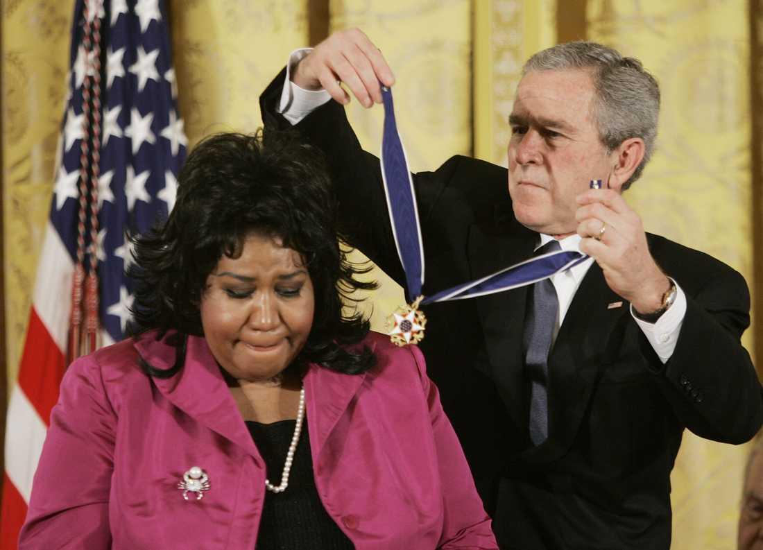 I november 2005 fick Aretha Franklin The presidental medal of freedom, USA:s högsta utmärkelse för en privatperson, av president George W Bush.