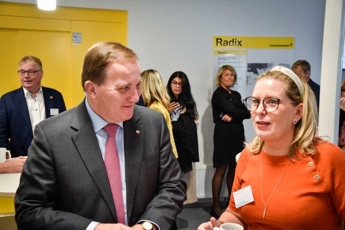 Statsminister Stefan Löfven (S) och Malin Sjölander, vice ordförande (M) i regionstyrelsen i Kalmar under Nationella innovationsrådets möte på Linnéuniversitetet i Kalmar.