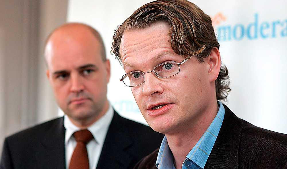 Föregångsland Reinfeldts moderater vill vara en fortsättning på den vinnande socialdemokratin, en bild som pr-geniet Per Schlingmann lanserar i Sverige och utomlands.