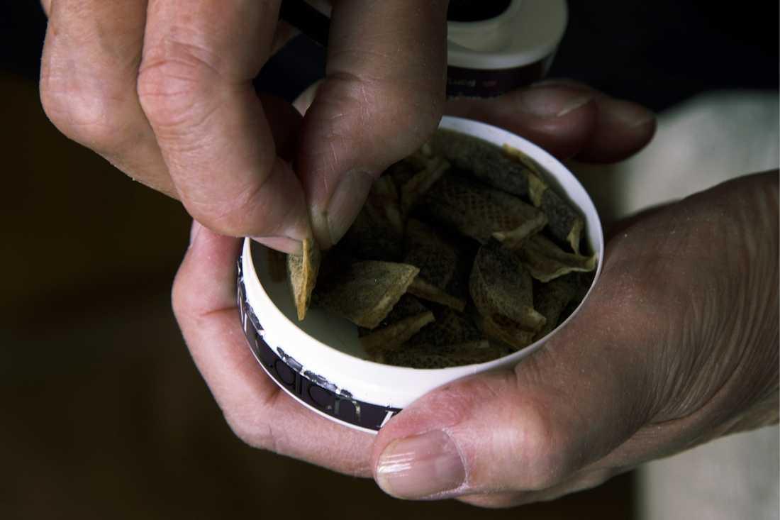Fyra personer åtalas för grova ekobrott i samband med en illegal snusfabrik. Arkivbild.