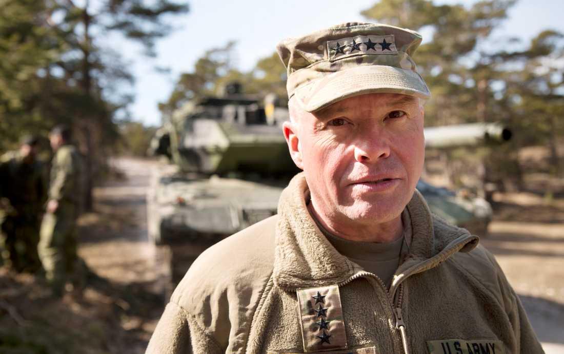 David G. Perkins är utvecklingschef inom den amerikanska armén.
