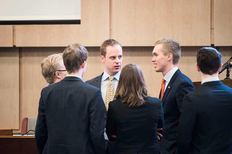 Allt pekar på att SDU-topparna Gustav Kasselstrand (till vänster) och William Hahne (till höger) kommer att uteslutas ur Sverigedemokraterna. Men flera ledamöter i partiet tvivlar på om bevisningen mot dem räcker.