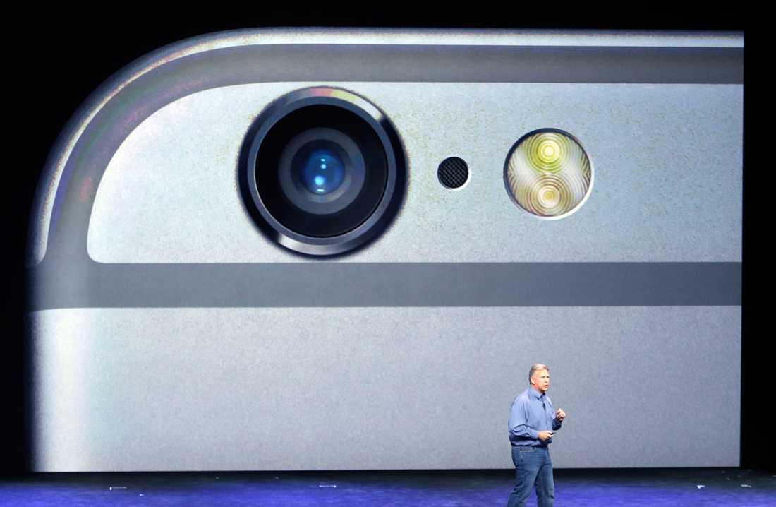 Kameran på Iphone 6 har ansiktsigenkänning och kan ta panoramabilder upp till 43 megapixel. Den har också ökad ljuskänslighet och snabbare fokus.