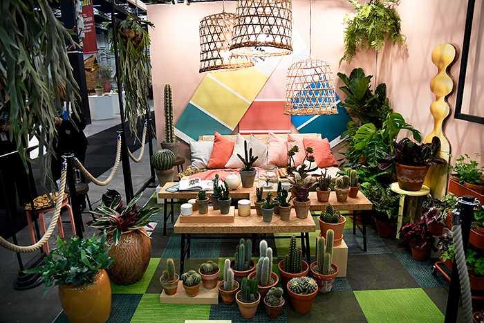 """""""World of shapes"""" - idébalkong som är lättskött både riktiga och konstgjorda växter."""