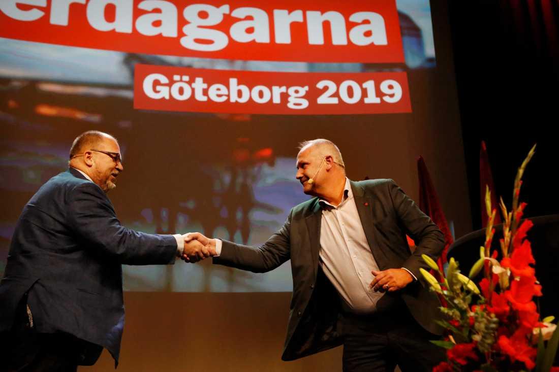 Partiledaren Jonas Sjöstedt (till höger) och LO-ordförande Karl Petter Thorvaldsson under Vänsterpartiets kommundagar.