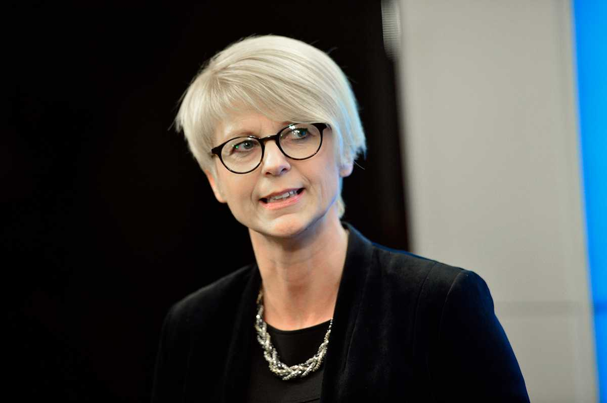 Elisabeth Svantesson (M)