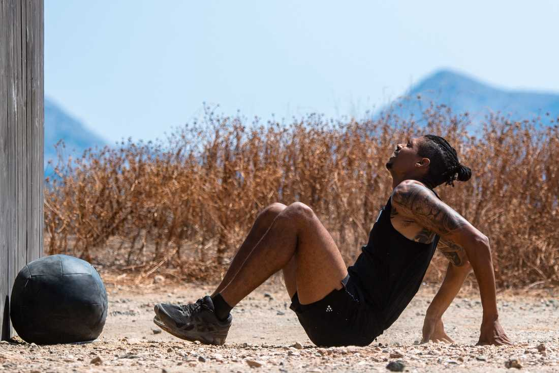 """Michel Tornéus pustar ut på marken efter två fysiska tävlingar direkt i """"Mästarnas mästare"""", bara 48 timmar efter att han avslutade sin aktiva karriär med SM i Karlstad."""