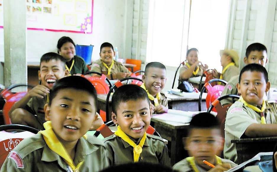 """""""Hellooo! Can you sing a song?"""" Barnen passar på att öva sin engelska."""