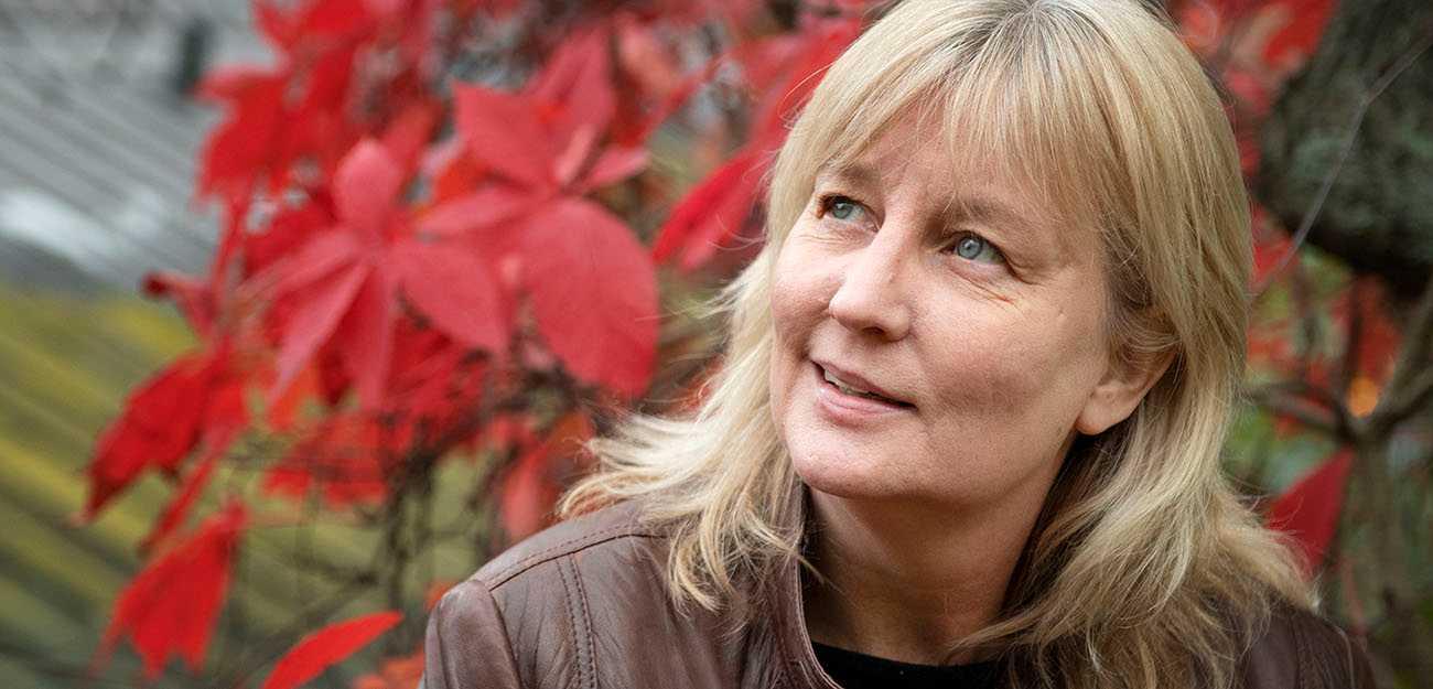 """Karin Smirnoff, aktuell med """"Och sen så for jag hem""""."""