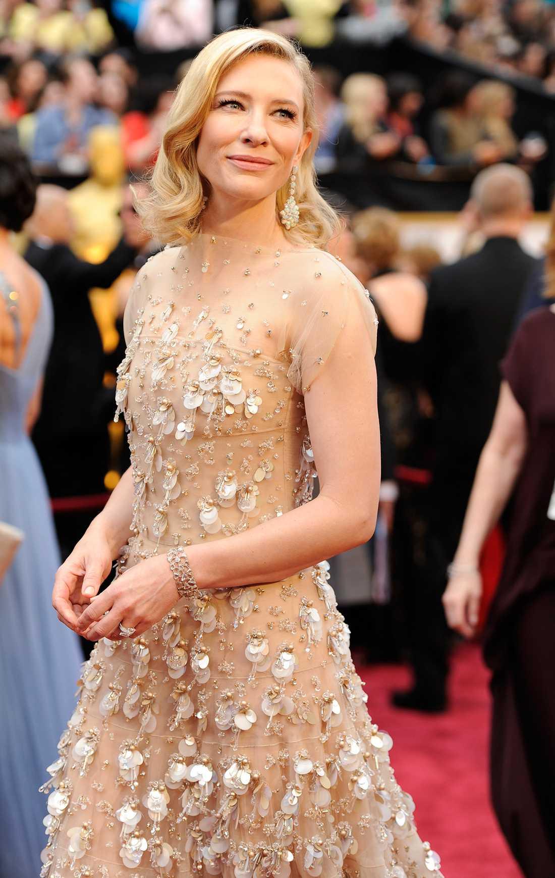 Cate Blanchett på Oscarsgalan klädd i Armani Prive.