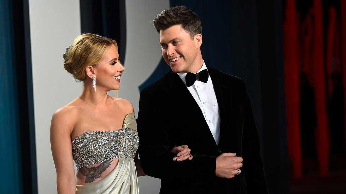 Scarlett Johansson och Colin Jost.