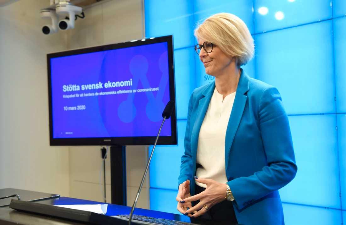 Moderaternas ekonomiske talesperson Elisabeth Svantesson (M) håller pressträff om åtgärder för att stimulera ekonomin.