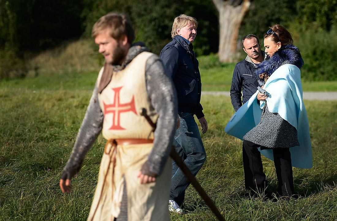 """Joakim """"Arn"""" Nätterqvist överlevde skotten när scenen trots alla avbrotten till slut blivit klar för kvällens program."""