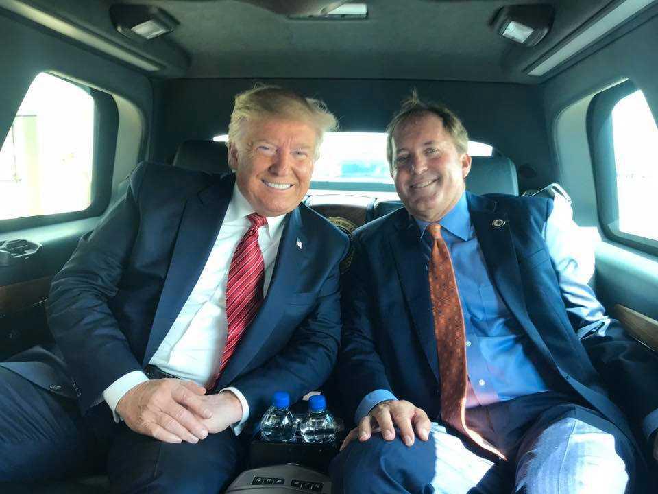Donald Trump och Ken Paxton vid ett tidigare tillfälle.