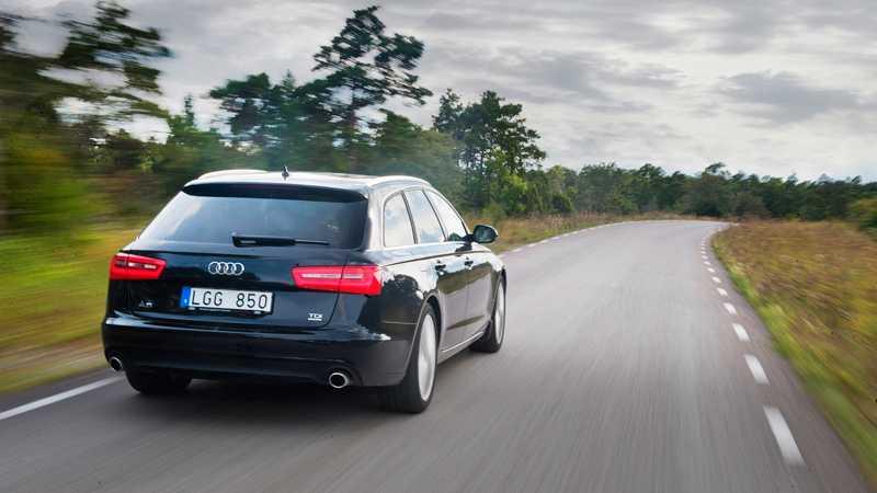 Bilar från Audi förekommer också.
