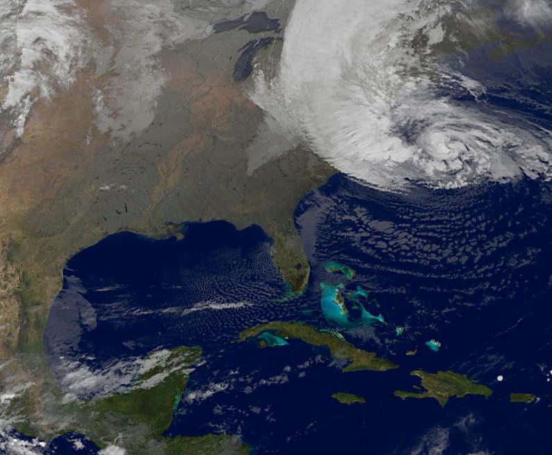 Sandy är på väg in mot land.