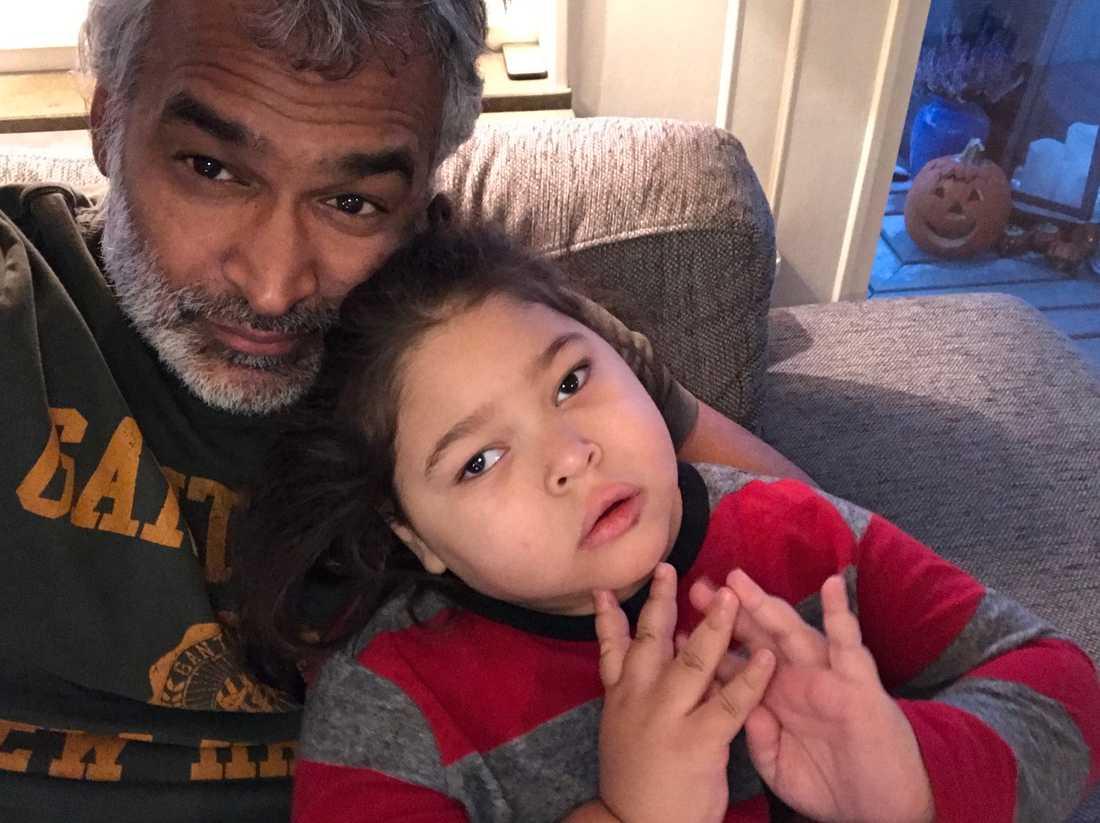 Pappa Krister med sin älskade son Charlie.