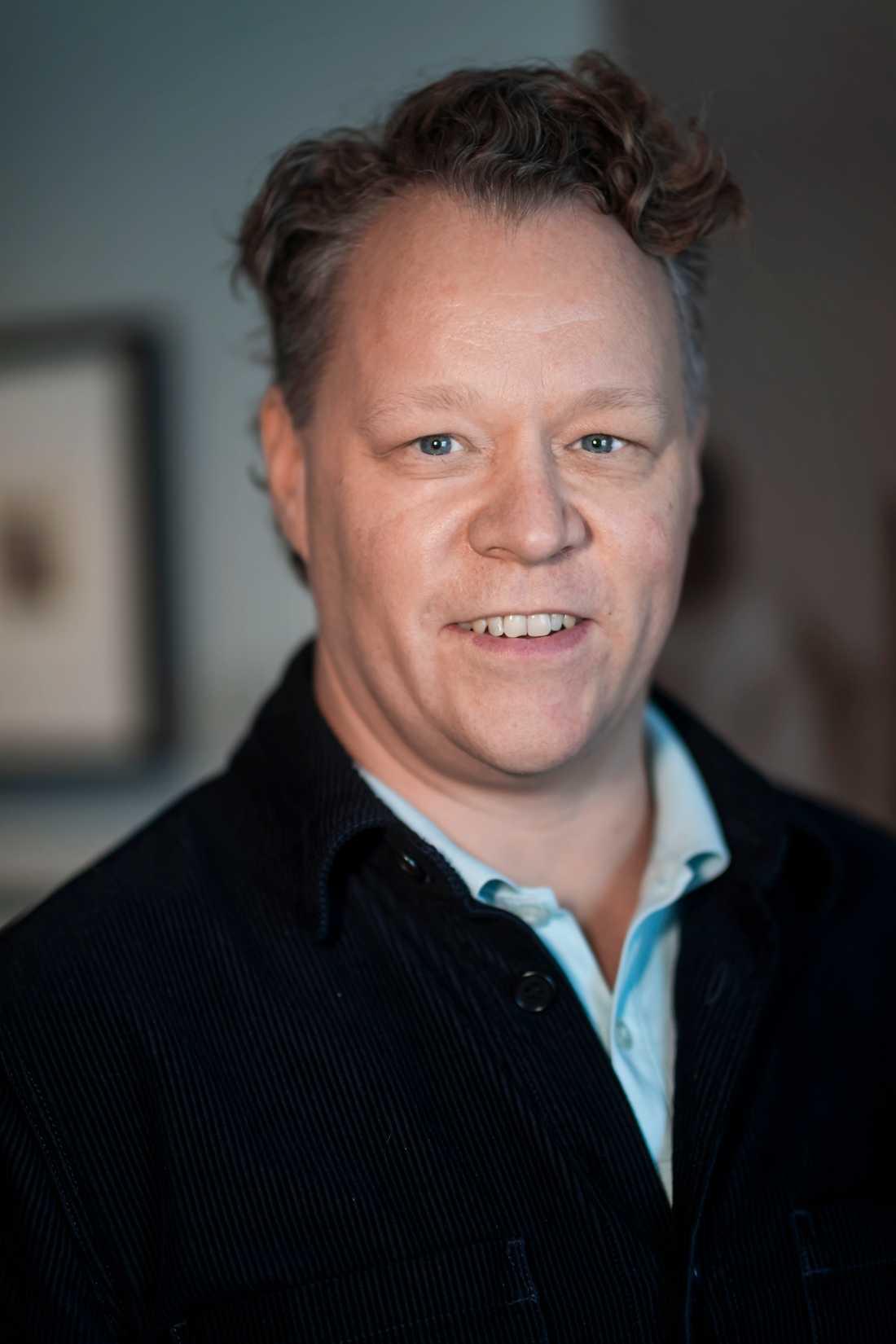 Edvard Munchs fotografier gör att han kommer närmare som person, framhåller Patrik Steorn, museichef på Thielska galleriet.