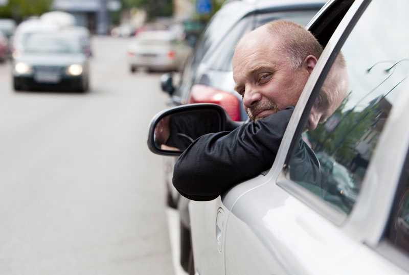 Jonny Forsberg körde för fort för att släppa fram ambulansen– då tog polisen hans körkort.