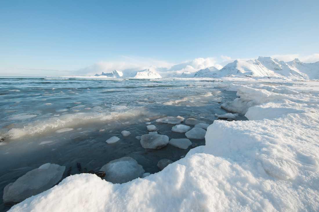 Jorden kan vara inne i en mini-istid redan om 15 år, enligt forskare.