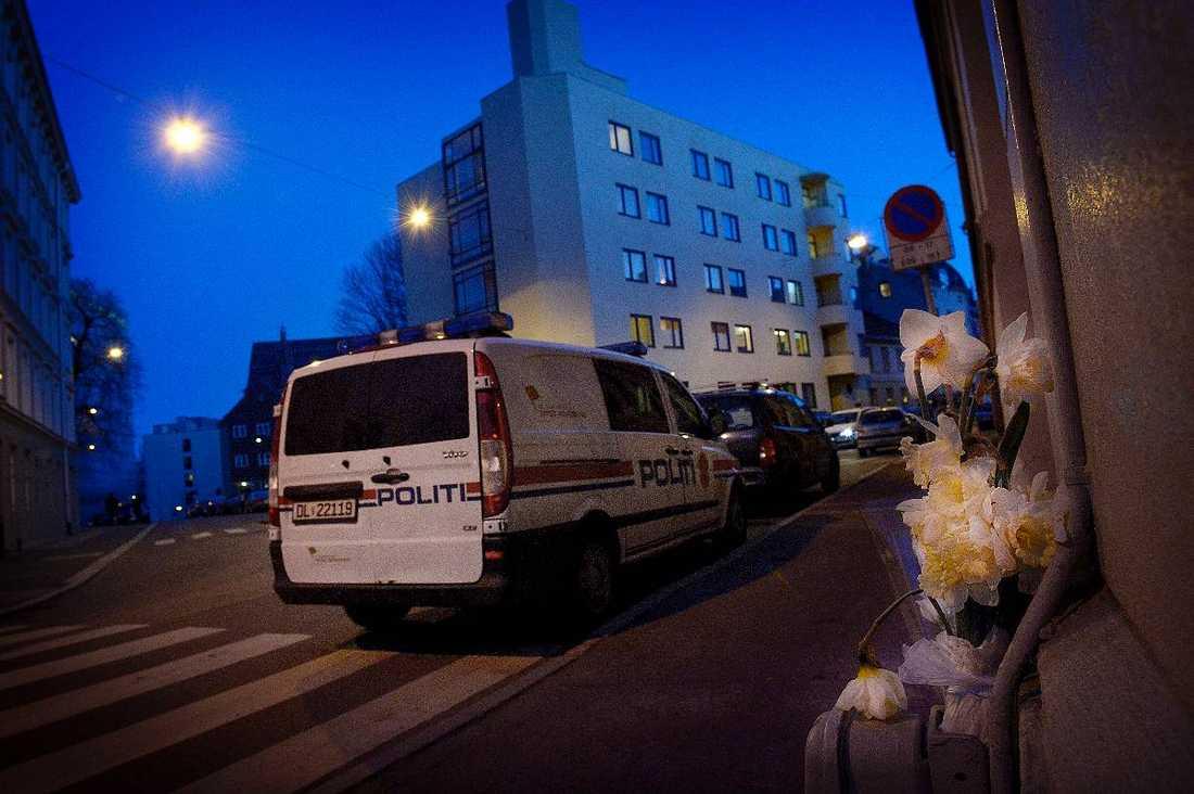 Redan under natten kunde flera misstänkta personer gripas.
