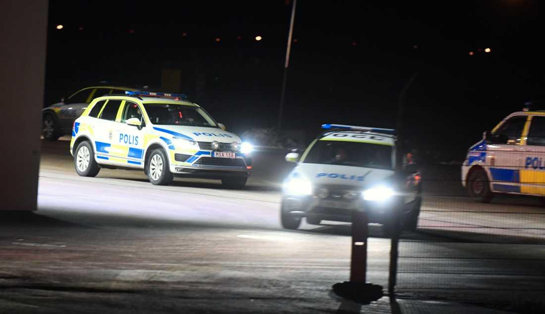 Polis på plats på Arlanda.