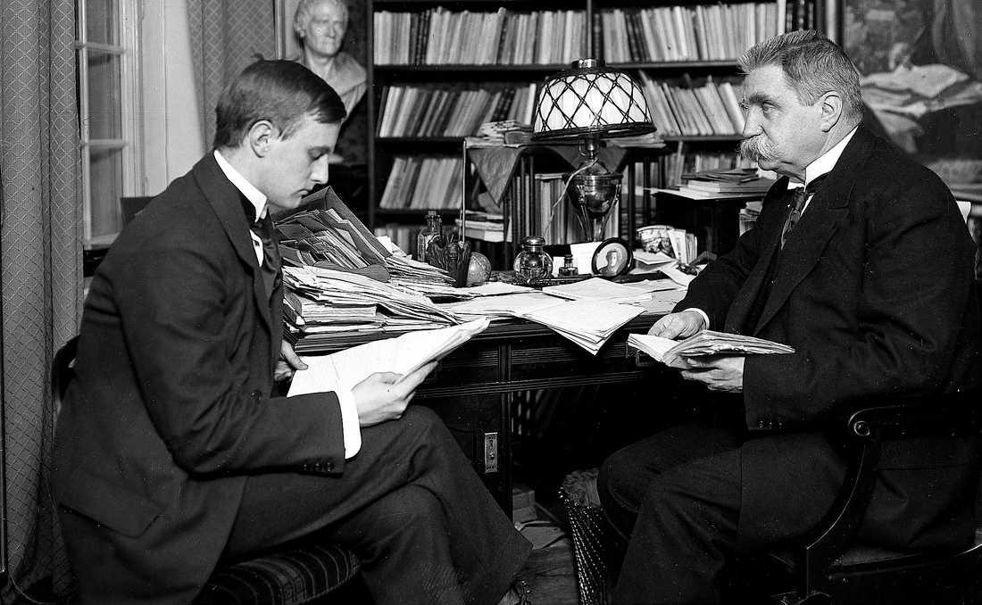 Georg Branting var son till Hjalmar Branting. Han var advokat och radikal riksdagsledamot och engagerad i kampen mot fascismen i Spanien.