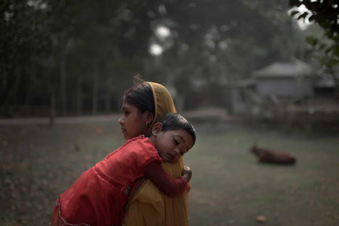 16-åriga Rabeya tvingades gifta sig när hon var 13 år och har varit gravid tre gånger.