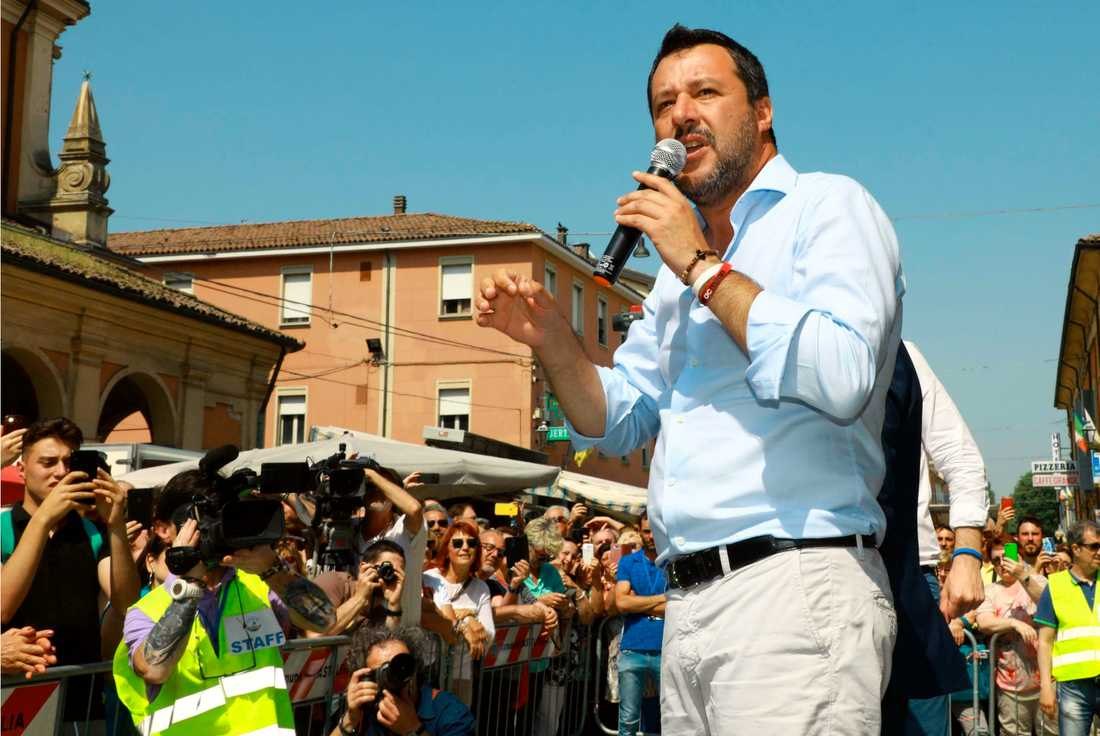 Italiens vice premiärminister och inrikesminister Matteo Salvini leder det främlingsfientliga regeringspartiet Lega.