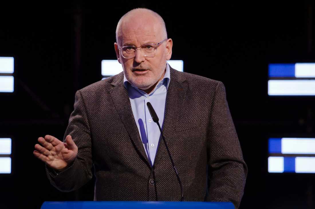 EU-kommissionens vice ordförande Frans Timmermans har granskat den polska regeringens reformer som undergräver det självständiga domstolsväsendet. Arkivbild.