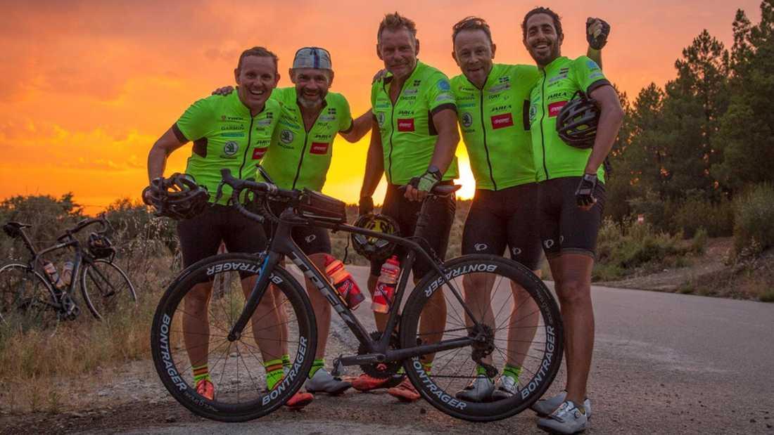 Rekordcyklisterna, från vänster Måns Möller Pelle Lissollas, Christer Skog Tony Duberg och Helmy Elsaeed.