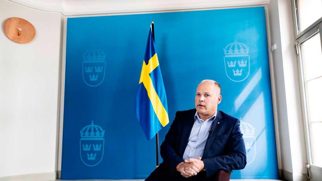 I dag fick Morgan Johansson migrationskommitténs förslag.