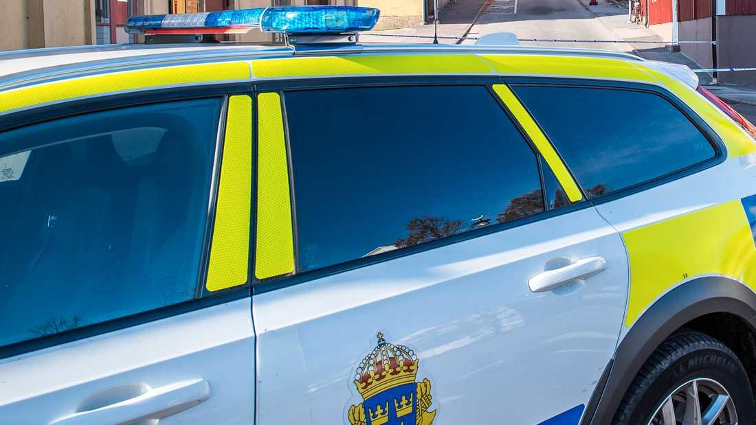 En förare misstänks för flera brott sedan personen flytt från en poliskontroll och krockat. Arkivbild.