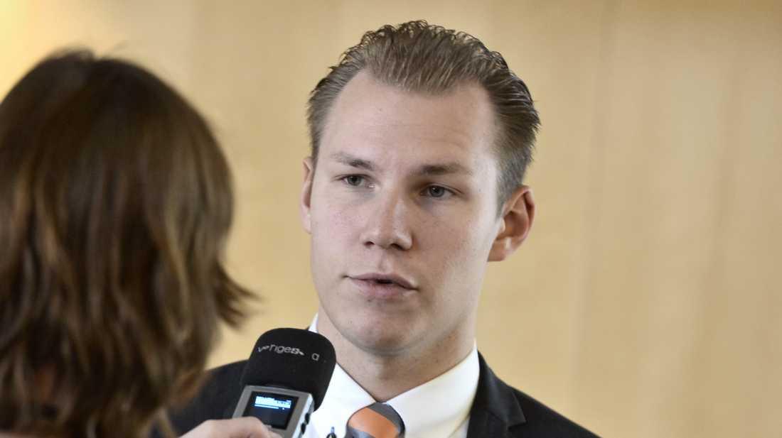 """Sverigedemokraten Markus Wiechel kallar S-rösten för ryskt deltagande """"ett historiskt svek"""". Arkivbild."""