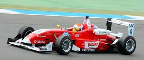 Felix Rosenqvists team tycker att kritiken från Viasats F1-kommentator Janne Blomqvist var obefogad.