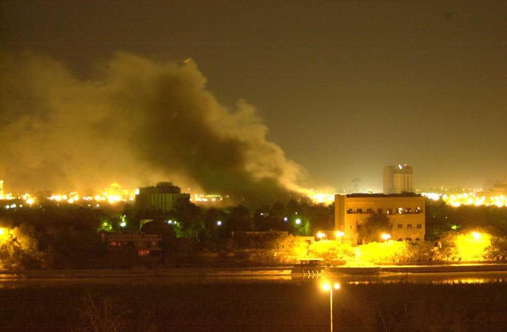 Iraks huvudstad Bagdad bombades under invasionen av Irak, som inleddes den 19 mars 2003.