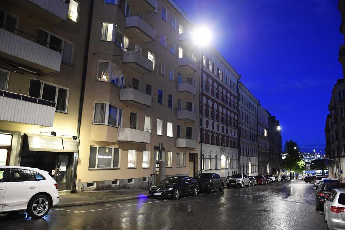 Adressen där Paolo Roberto greps misstänkt för sexköp hyrs i stora delar ut som lägenhetshotell.