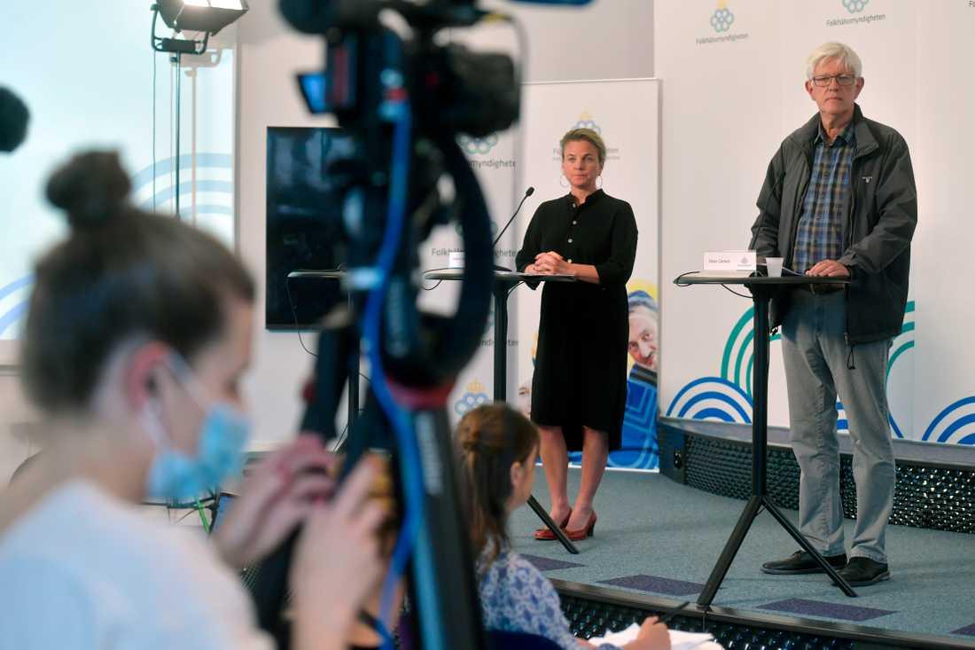 Johanna Sandwall, krisberedskapschef, Socialstyrelsen och Johan Carlsson generaldirektör Folkhälsomyndigheten.