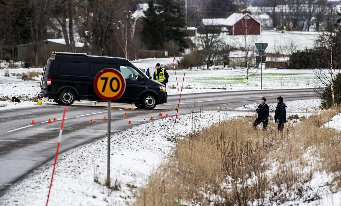 Mannen som hittades ska ha varit blodig och bunden med buntband, enligt uppgifter till Aftonbladet.