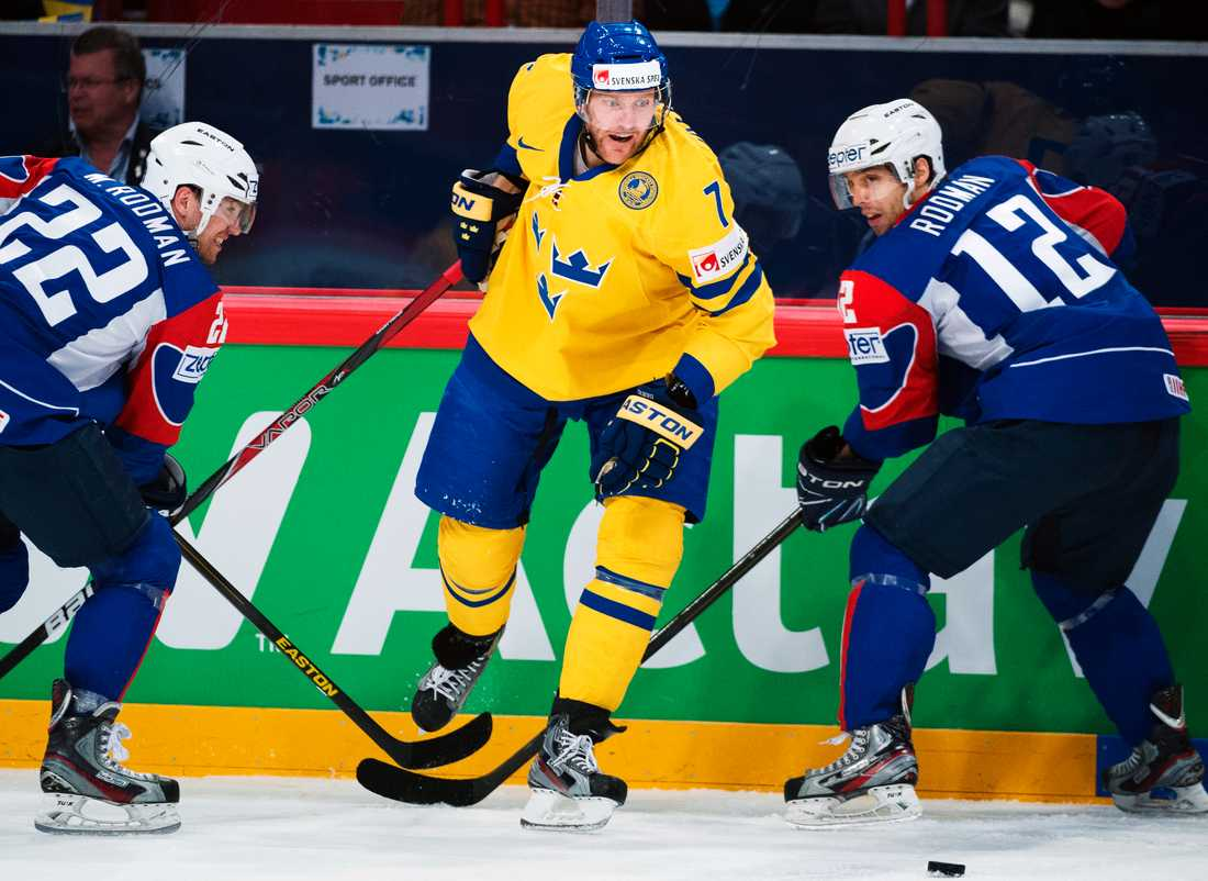 OS-backen Henrik Tallinder bryter sitt kontrakt med Rangers.