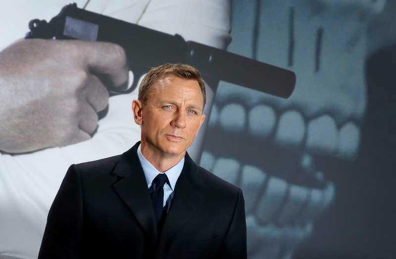 Daniel Craig har sagt att han ska göra en till Bond-film.