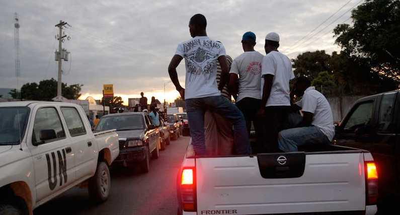 Trafikkaos i Port-au-Prince i går.
