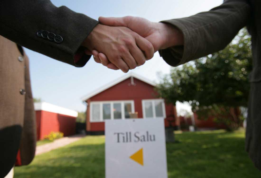 Under juni steg bostadsrättspriserna med 1 procent i Malmö, centrala Stockholm och Göteborg medan priserna i övrigt stod stilla. Arkivbild