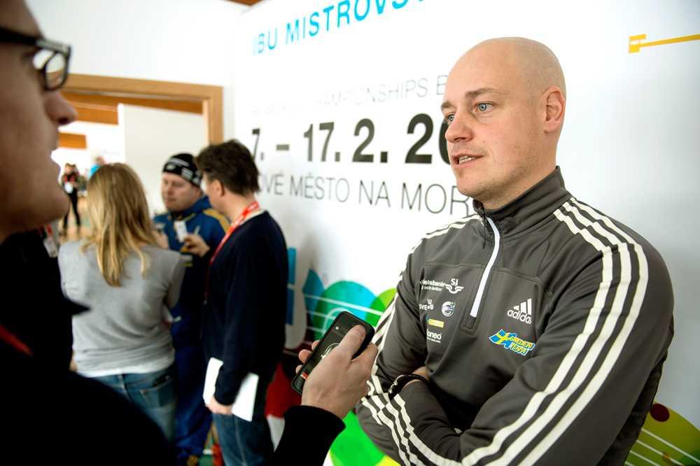 Marko Laaksonen slutar som huvudtränare för damerna.