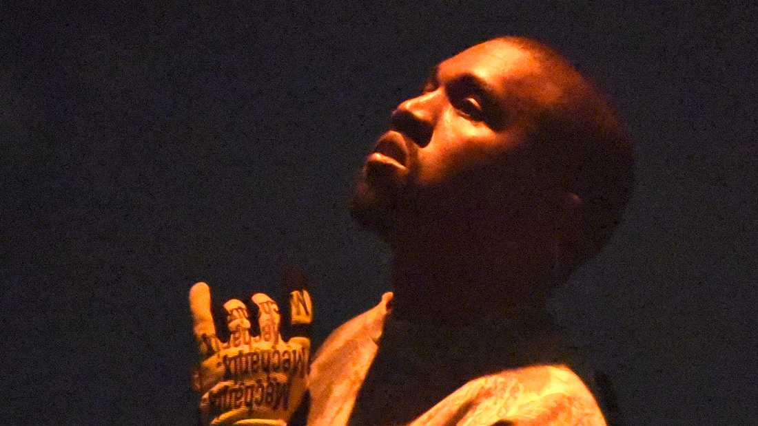 """The most beautiful thoughts are always besides the darkest"". Så börjar Kanye Wests album ""Ye""."