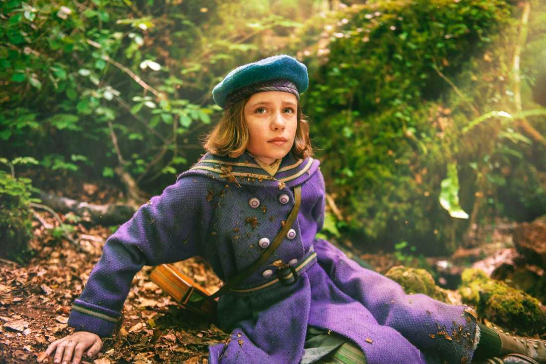 """Dixie Egerickx spelar föräldralösa Mary Lennox i """"Den hemliga trädgården"""". Pressbild."""